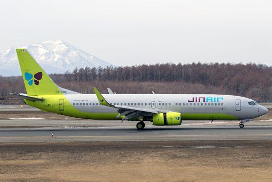 LJ/JNA/ジンエアー  B737-800 HL7561