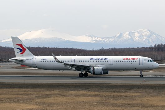 MU/CES/中国東方航空  A321 B-8650