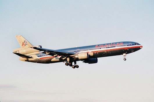 AA/AAL/アメリカン航空 MD11 N1766A