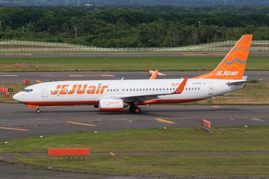7C/JJA/チェジュ航空  B737-800 HL8302