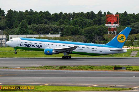 HY/UZB/ウズベキスタン航空 HY528 B767-300ER UK67008