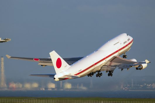 日本国政府専用機 20-1102 B747-400 離陸
