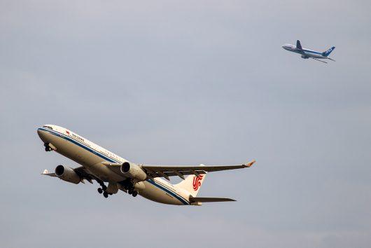 2018.11.24撮影 CA/CAA/AirChina A330-300 B-5906