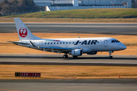 XM/JLJ/ジェイエア  ERJ170 JA228J