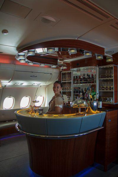 EKのA380名物、バーカウンター