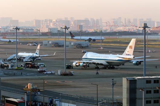 VC-25とC-32