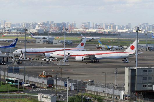 日本国政府専用機 B777-300ER 80-1111&80-1112