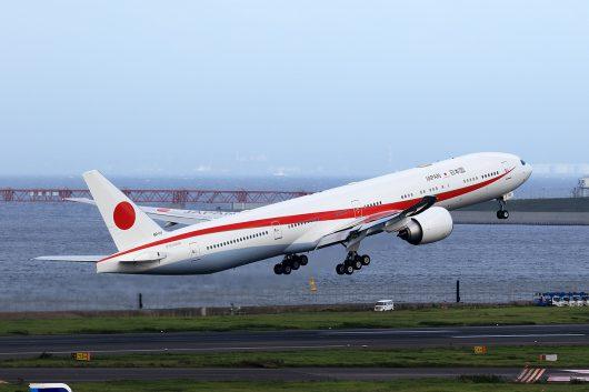 日本国政府専用機 B777-300ER 80-1111