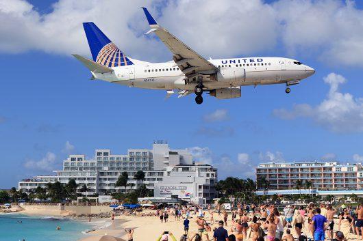 UA/UAL/ユナイテッド航空 UA1444 B737-700 N24736