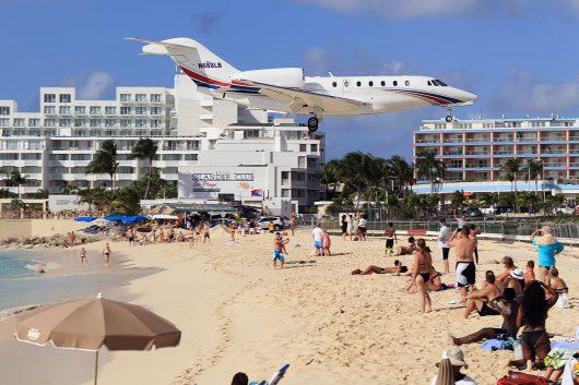 //BIZ-Jet  Cessna 750 N688LB