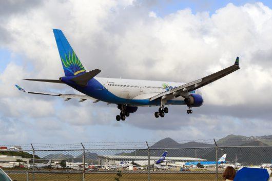 TX/FWI/エア・カライベス TX520 A330-200 F-OFDF