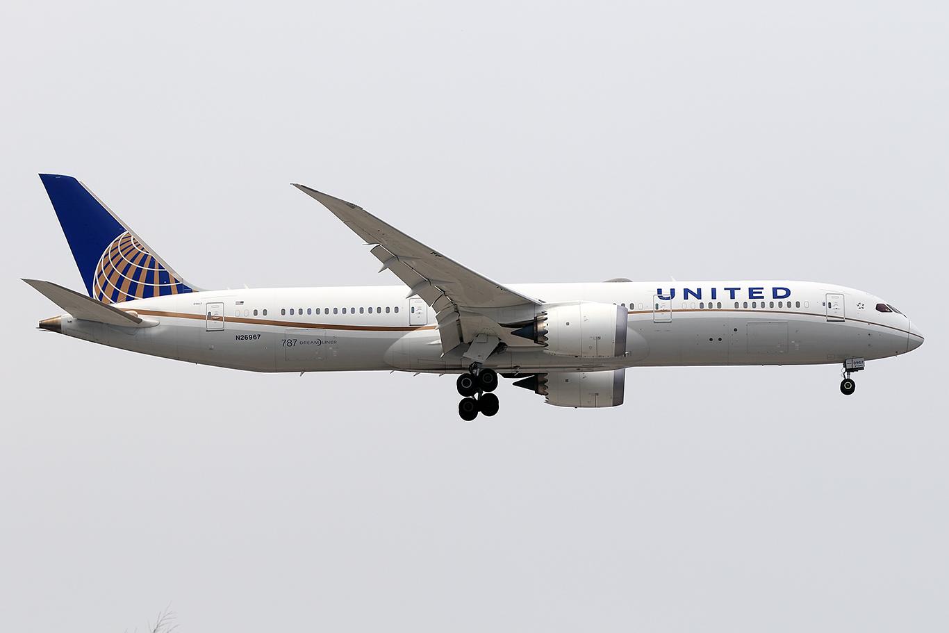 UA/UAL/ユナイテッド航空 UA2820 B787-9 N26967