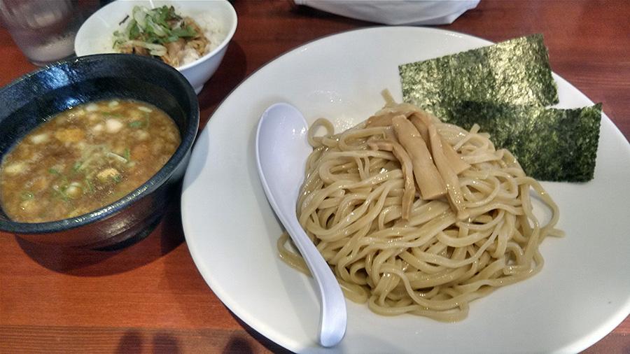 濃厚煮干しつけ麺(850円)