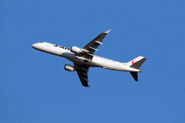 JL/JAL/日本航空 JL157 ERJ190 JA252J
