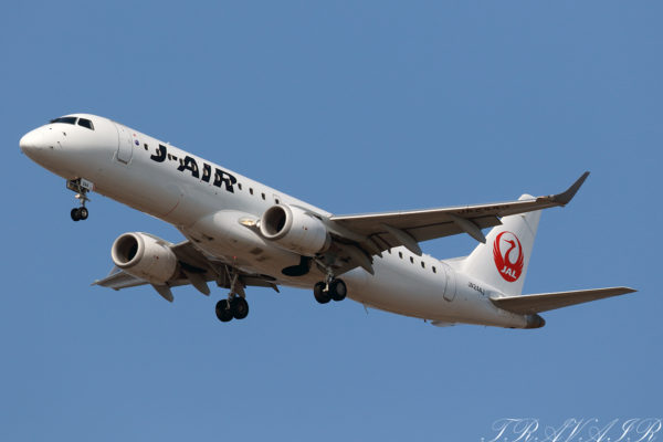 JL/JAL/日本航空 JL214 ERJ190 JA244J