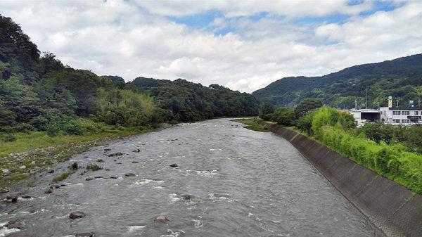 吾妻川上流側