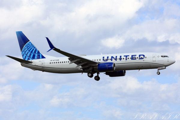 UA/UAL/ユナイテッド航空 UA196 B737-800 N77295